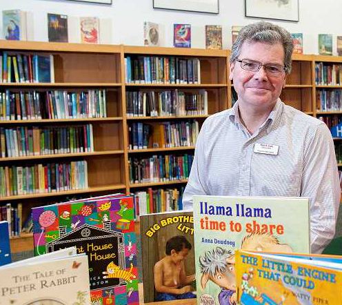 Pat Duke of Wilsonville Named Oregon Library Association's Librarian of the Year