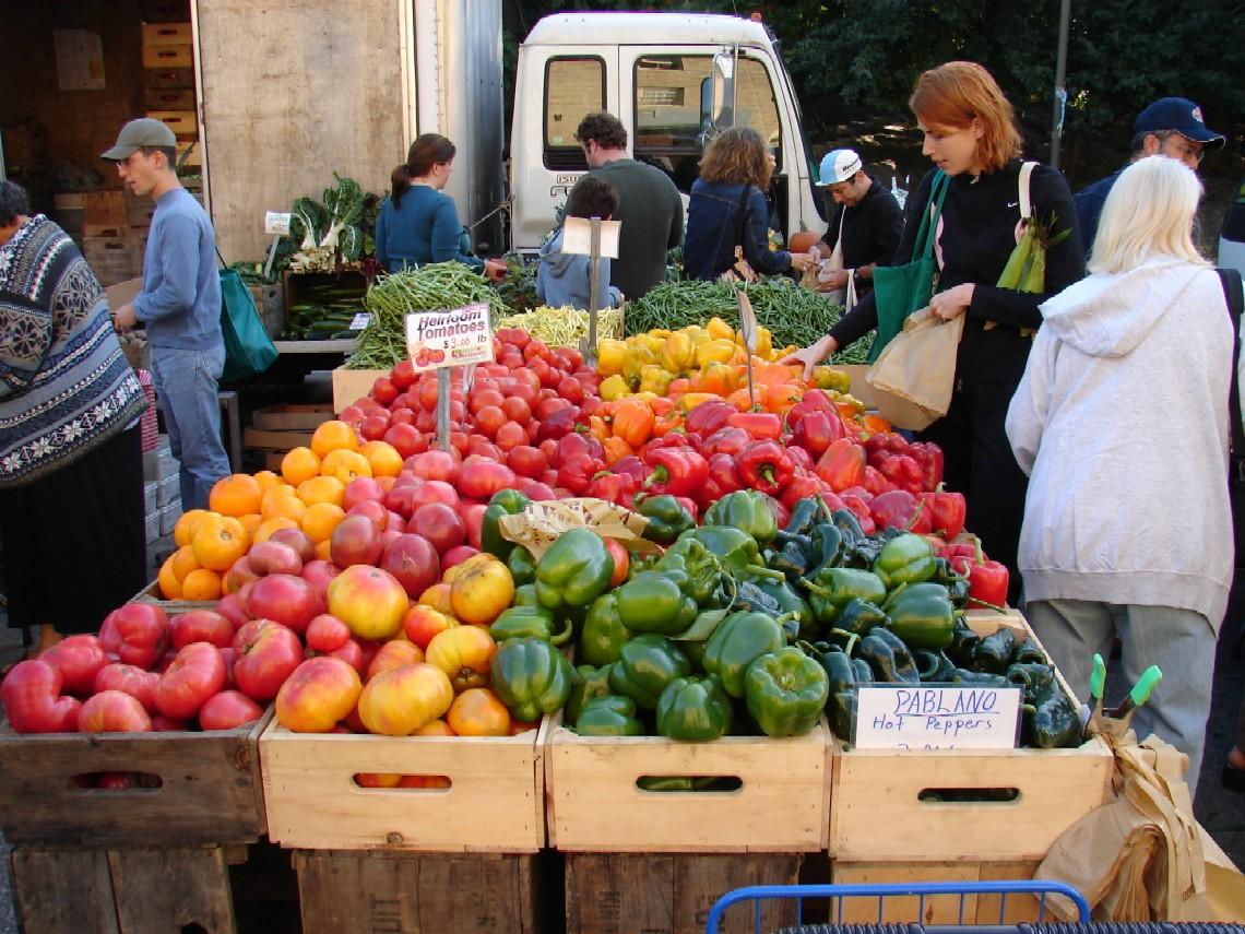 Wilsonville Farmer's Market.  Every Thursday 4pm – 8pm.